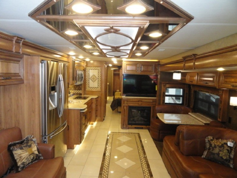 top 10 motorhome sang trong dat nhat the gioi hinh anh 1