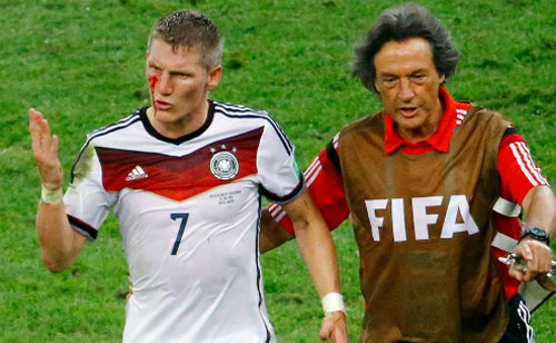 schweinsteiger gia tu su nghiep quoc te hinh anh 2
