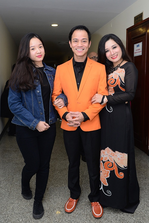 thanh thanh hien duoc chong ung ho tro lai voi am nhac hinh anh 2