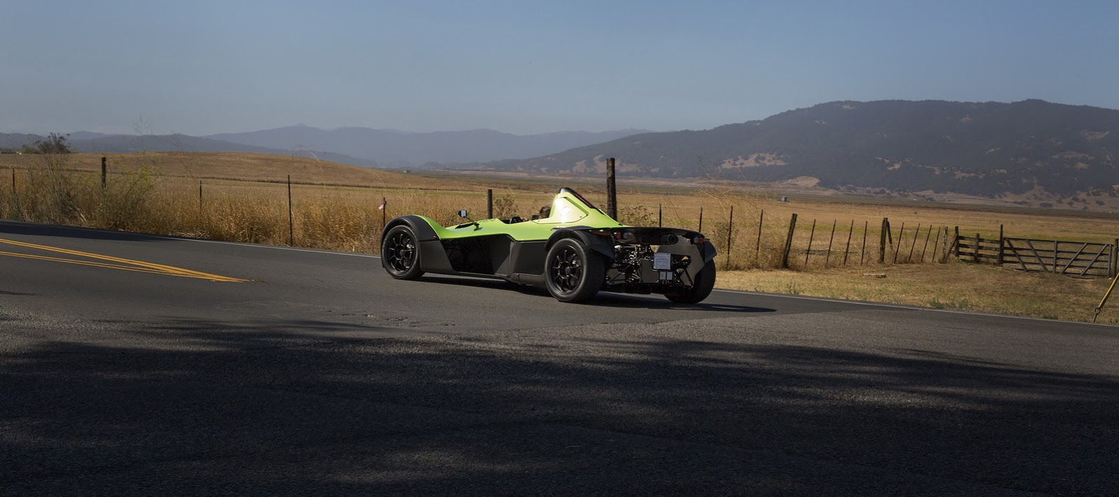 bac mang mau sieu xe mono single-seater supercar toi pebble beach hinh anh 2