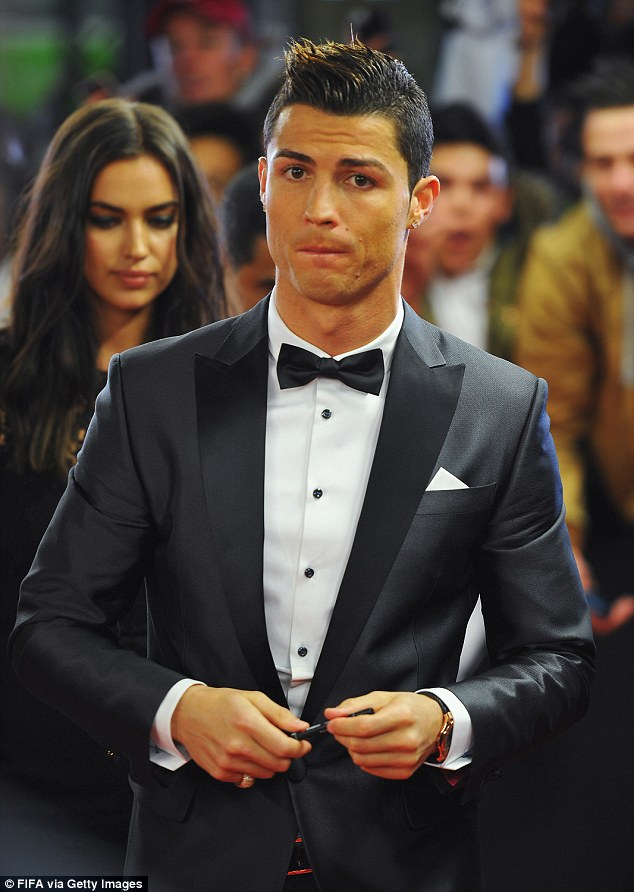 cr7 dao hoa vi an van lich lam the nay day hinh anh 3