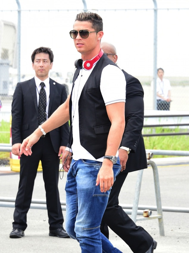 cr7 dao hoa vi an van lich lam the nay day hinh anh 13