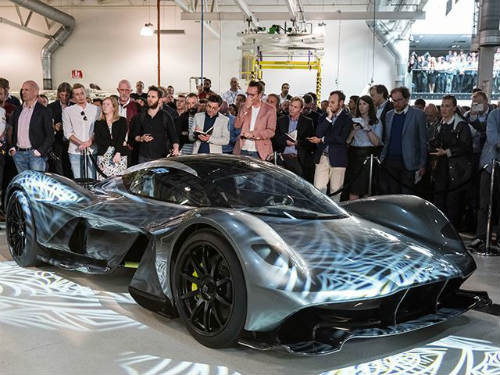 aston martin am-rb 001 gia 89 ty dong van dat khach hinh anh 1