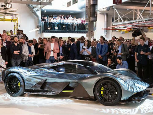 aston martin am-rb 001 gia 89 ty dong van dat khach hinh anh 4