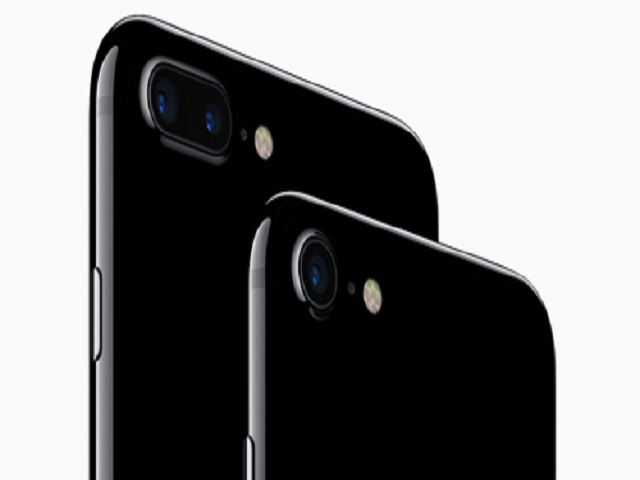 "iphone 7 va iphone 7 plus jet black ""chay hang"" hinh anh 1"