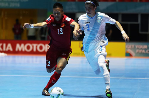 minh tri lap hat-trick, dt futsal viet nam lam nen lich su hinh anh 1