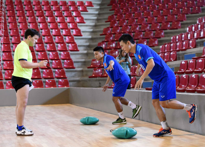 thu quan dt futsal viet nam lo dai chien paraguay? hinh anh 2