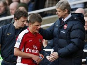 "Tong thong Putin ""ep"" Arsenal mua Arshavin gia… gap doi"