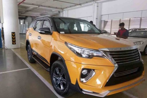 bien toyota fortuner thanh 'xe sang' lexus chi voi 70 trieu dong hinh anh 1