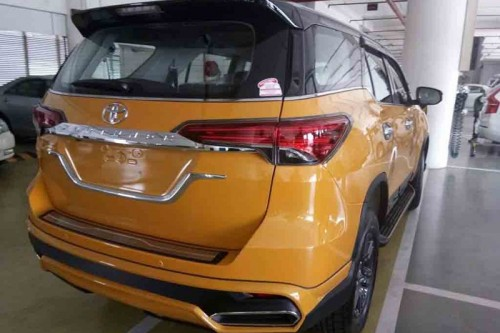 bien toyota fortuner thanh 'xe sang' lexus chi voi 70 trieu dong hinh anh 4