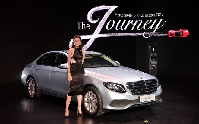 ngam dan my nu tai trien lam mercedes-benz fascination 2017 hinh anh 5