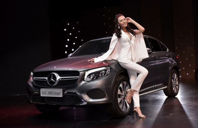 ngam dan my nu tai trien lam mercedes-benz fascination 2017 hinh anh 7