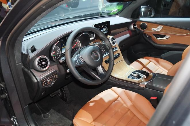 mercedes glc 300 coupe gia 2,89 ty dong tai viet nam hinh anh 4