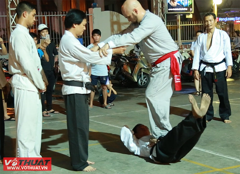 vo su vinh xuan flores cham mat chuong mon karate viet nam hinh anh 3