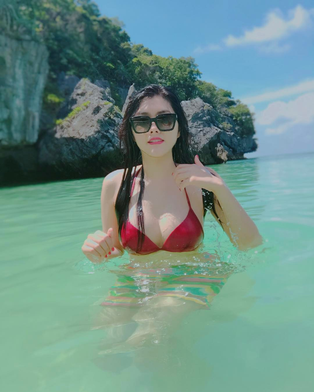 chi 3 giay khoe noi y, chan dai cao 1m84 khien bao anh dien dao hinh anh 3