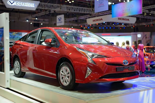 """can canh """"xe xanh"""" toyota prius 2017 o viet nam hinh anh 1"""