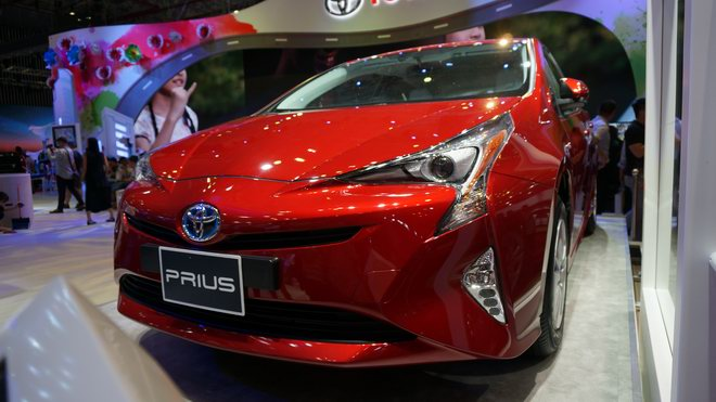 """can canh """"xe xanh"""" toyota prius 2017 o viet nam hinh anh 3"""
