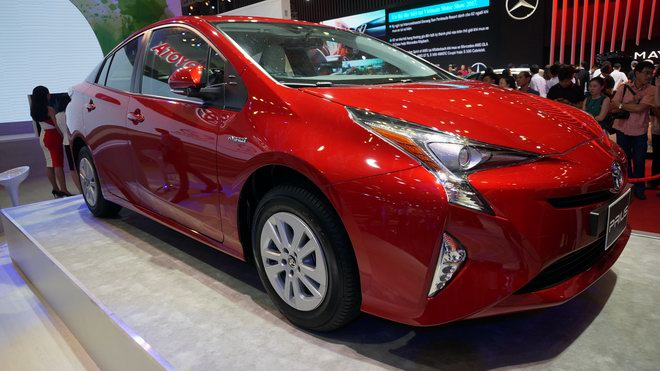 """can canh """"xe xanh"""" toyota prius 2017 o viet nam hinh anh 6"""