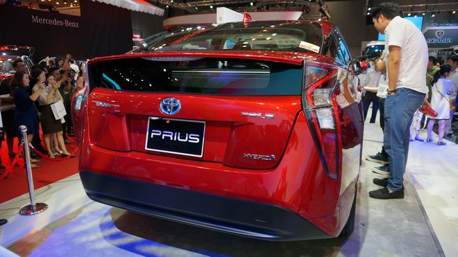 """can canh """"xe xanh"""" toyota prius 2017 o viet nam hinh anh 7"""