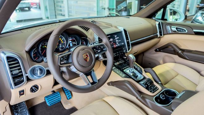porsche cayenne platinum edition gia 5,3 ty dong tai viet nam hinh anh 2