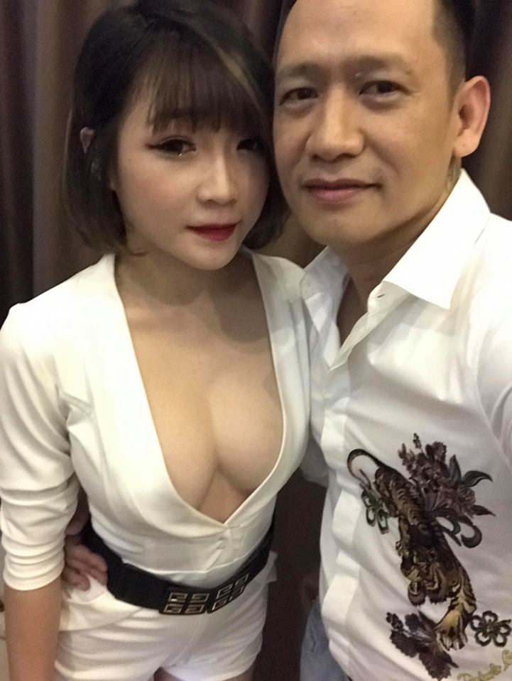 duy manh khoe anh cung fan nu nong bong hinh anh 1
