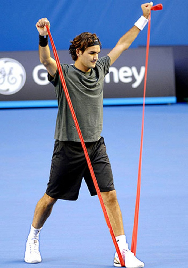 "vi sao ""tau toc hanh"" roger federer nhanh nhu cat, khoe vo dich hinh anh 3"