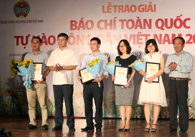 anh: toan canh le trao giai bao chi toan quoc tu hao nong dan vn hinh anh 7