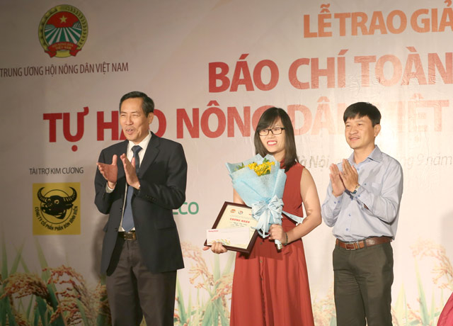 anh: toan canh le trao giai bao chi toan quoc tu hao nong dan vn hinh anh 9