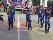 Song tre - Cau be 4 tuoi nhay flashmob cuc dinh o dong Nai gay sot