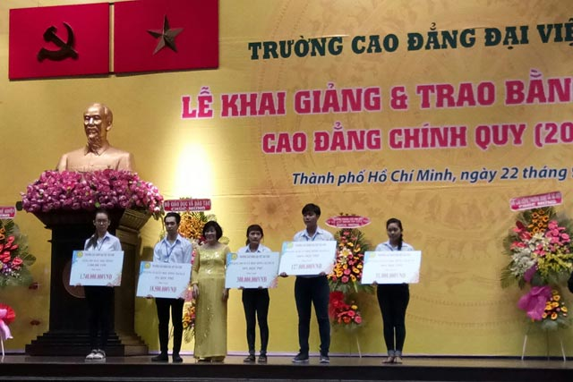 "truong cd dau tien ky hop dong ""cam ket viec lam"" voi sinh vien hinh anh 1"