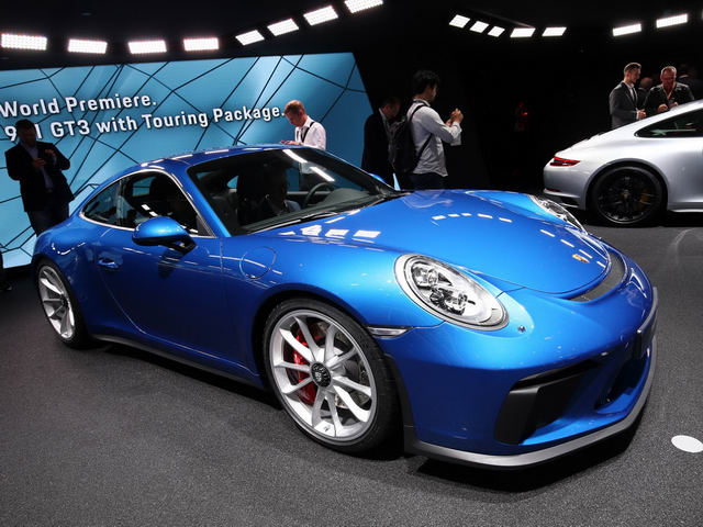 porsche 911 gt3 2018 touring package gia 3,3 ty dong hinh anh 1