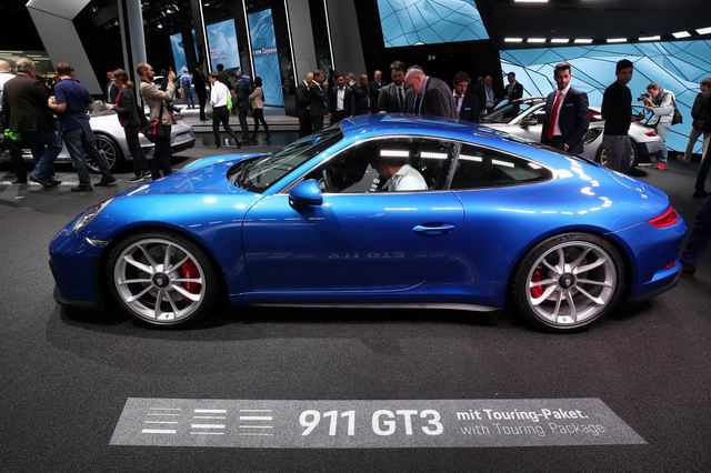 porsche 911 gt3 2018 touring package gia 3,3 ty dong hinh anh 4