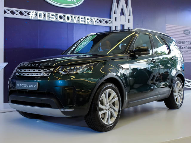 land rover discovery 2018 ve viet nam voi gia 4 ty dong hinh anh 1