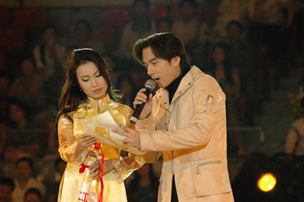 cam ly- nu ca si khong biet khoe cua, chi thich lam vo dam hinh anh 1