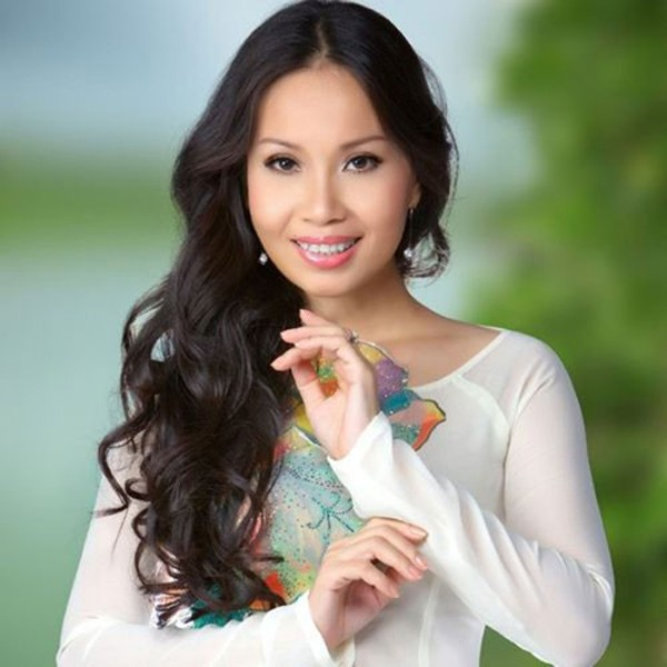 cam ly- nu ca si khong biet khoe cua, chi thich lam vo dam hinh anh 2