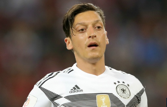 ozil chinh thuc tu gia dt duc: tiet lo ly do gay soc hinh anh 1