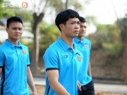 The thao - Cac cau thu Olympic Viet Nam dong loat... chan thuong lung