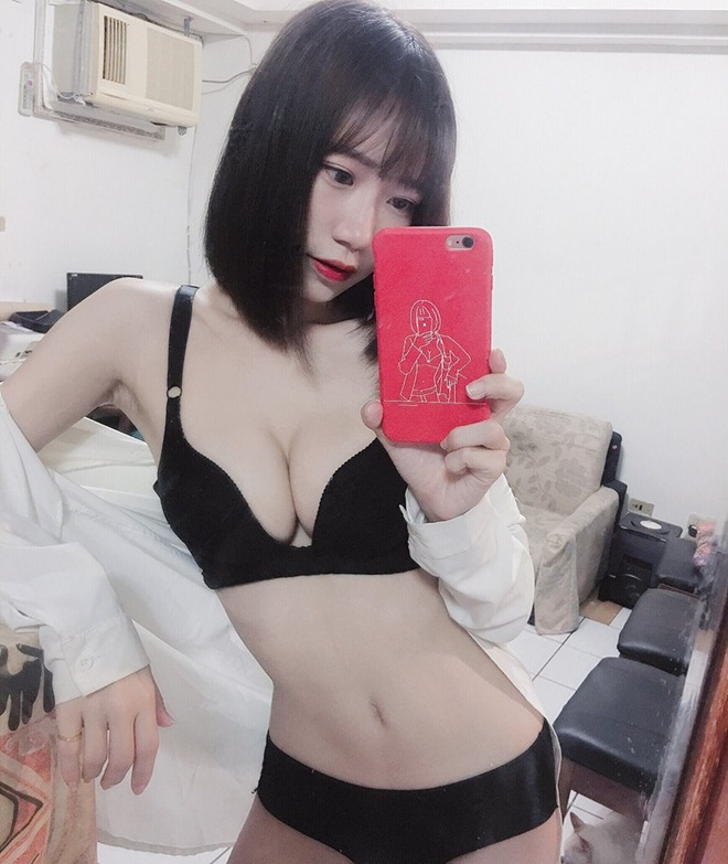 mau nu dung vong 1 kep dien thoai giong hot girl world cup mong doi doi hinh anh 8