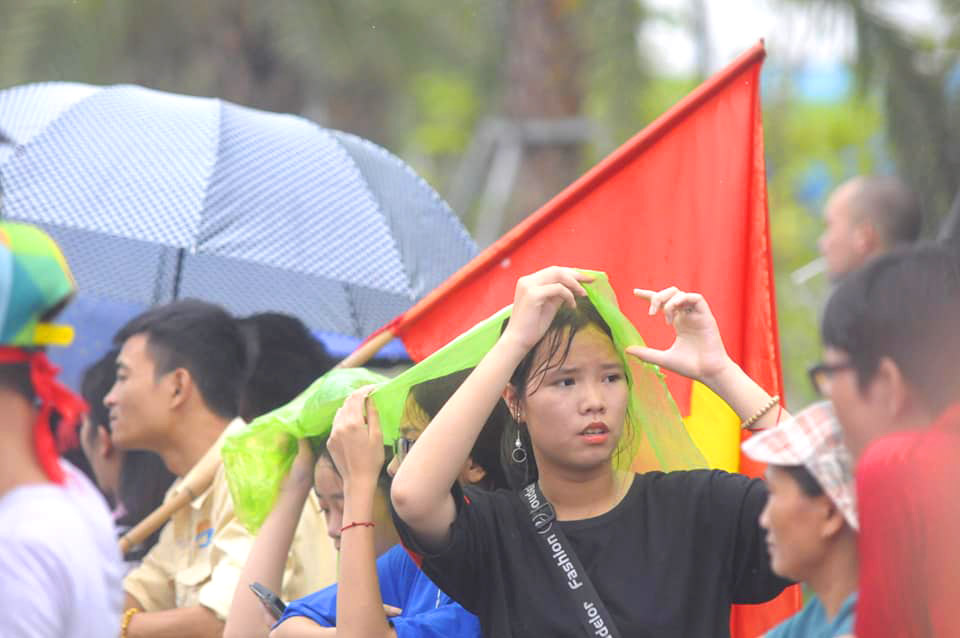 anh, clip: may cay xuong duong don olympic viet nam ngay tro ve hinh anh 10