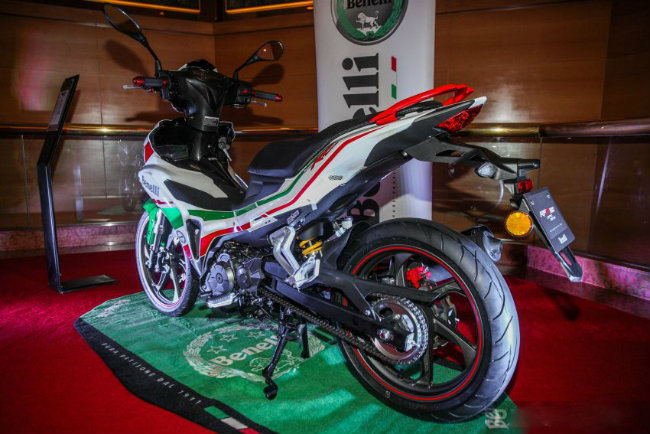 "can canh mau xe moi khien yamaha exciter, honda winner ""toat mo hoi"" hinh anh 6"
