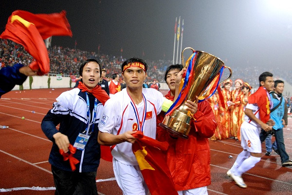 "cup vang aff cup ""ve tay"" viet nam trong thang 10 hinh anh 1"