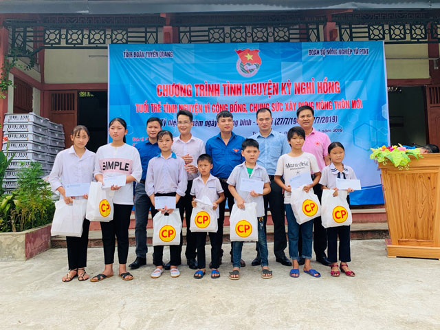 c.p. viet nam dong hanh cung chien dich tinh nguyen he 2019 hinh anh 2