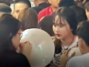 VIDEO: Bong cuoi bay ban tran lan o Ha Noi, bat chap lenh cam