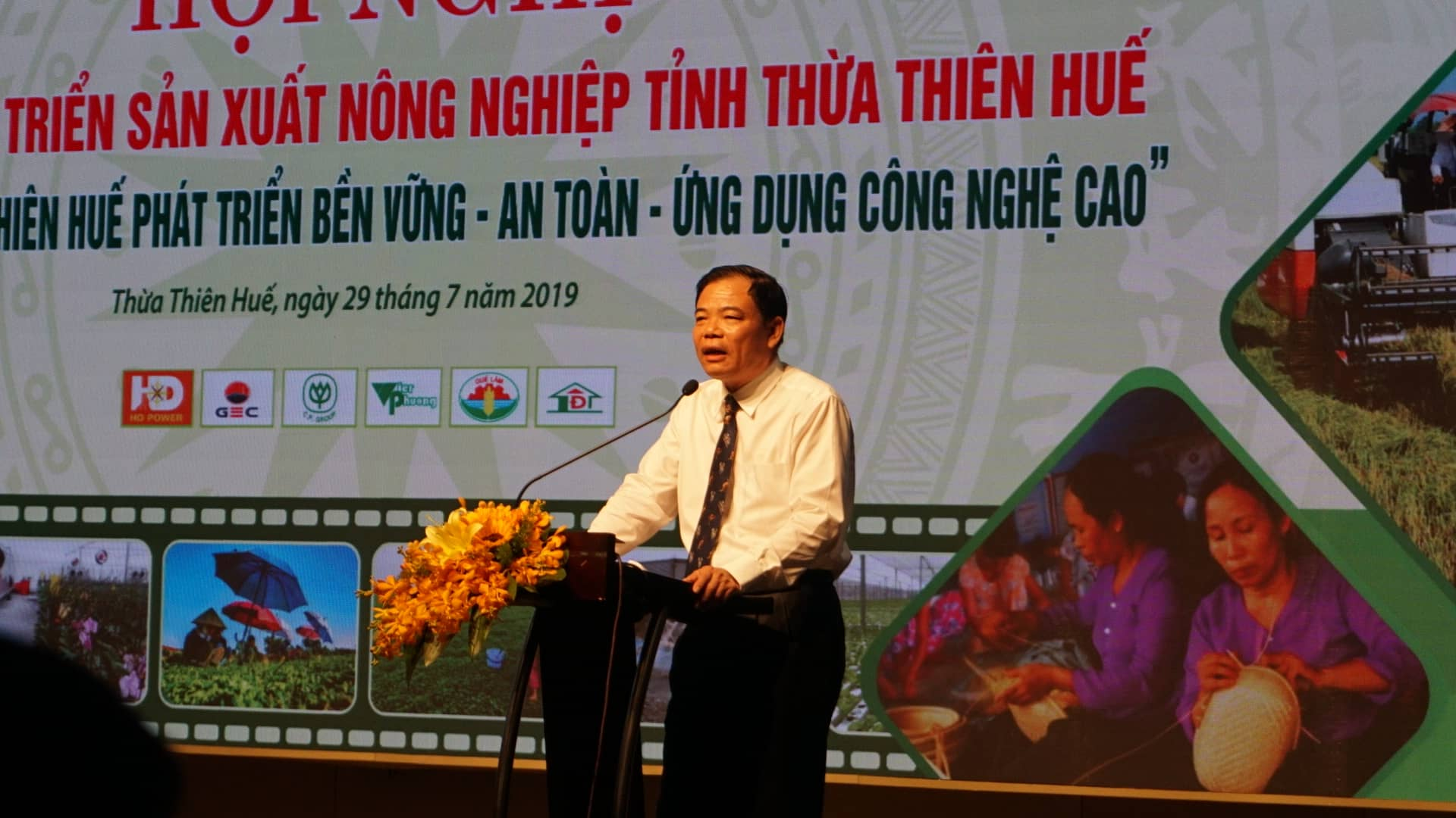 bo truong nnptnt: nong nghiep hue can gan voi am thuc cung dinh hinh anh 1