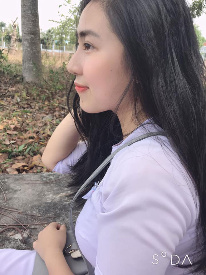 tiet lo nhung thanh tich khung cua hot girl duong len dinh olympia hinh anh 4