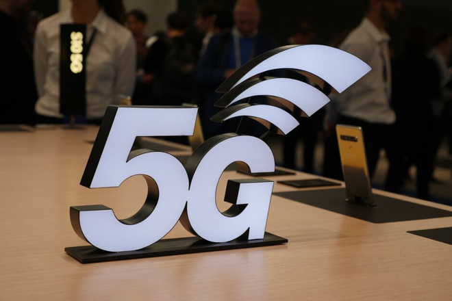 """5g se chua the """"vuc day"""" thi truong smartphone trong nam nay hinh anh 1"""