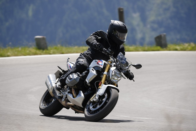 bmw r1250 r va r1250 rs 2019 co cong nghe moi, muot ma hon hinh anh 3