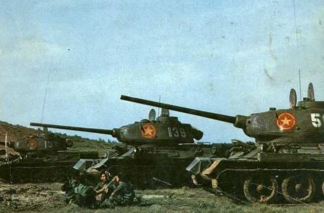 "chien tranh bien gioi 1979: ""ong lao"" t-34-85 viet nam khien trung quoc khon don the nao? hinh anh 2"