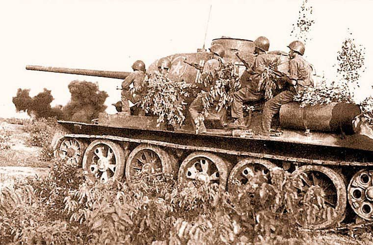 "chien tranh bien gioi 1979: ""ong lao"" t-34-85 viet nam khien trung quoc khon don the nao? hinh anh 5"