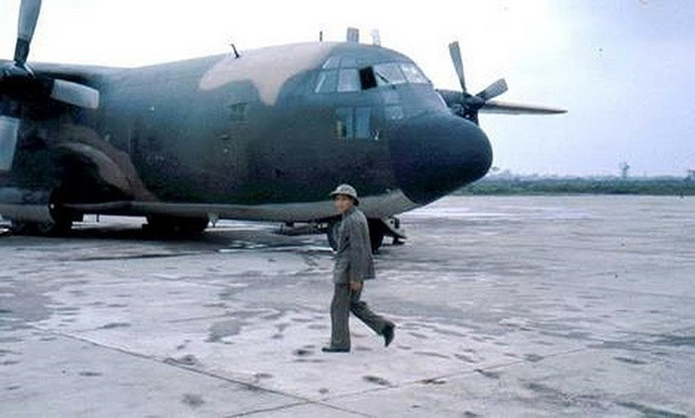 "chien tranh bien gioi 1979: viet nam su dung ""luc si"" c-130 my nhu the nao? hinh anh 1"
